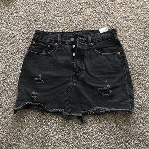 LEVIS Distressed Black Jean Skirt - Highwaisted